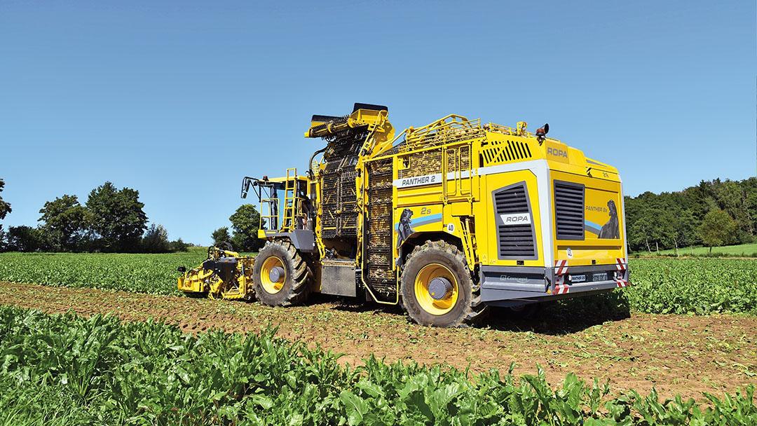 De 1.600 mm brede losband kan op drie plekken vouwen en lost vlakker dan voorheen in naastliggende wagens.